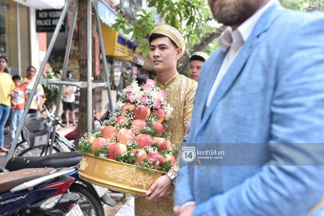 MC Phương Mai diện Áo dài đỏ, rạng rỡ trong lễ ăn hỏi với ông xã người Ba Lan-9