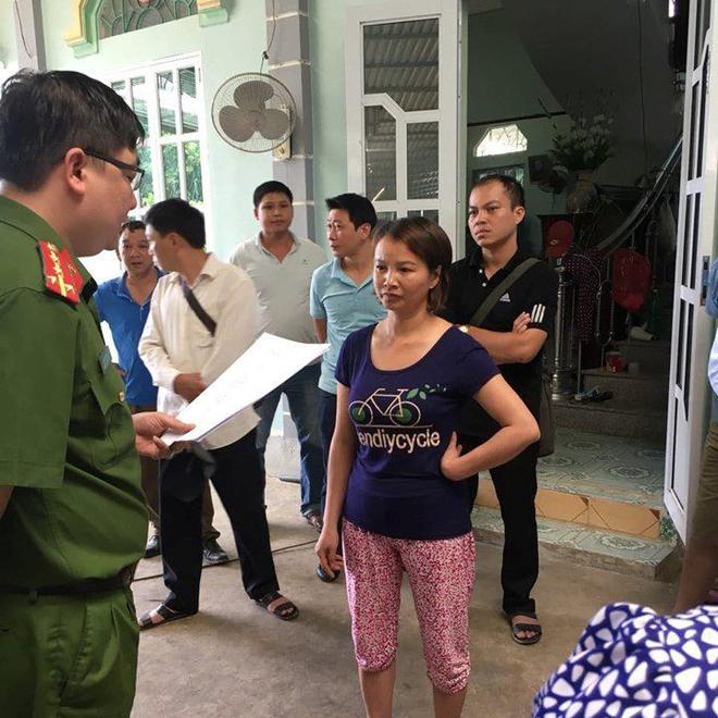 Mẹ nữ sinh giao gà ở Điện Biên tóc bạc trắng đầu sau 2 tuần bị bắt-1