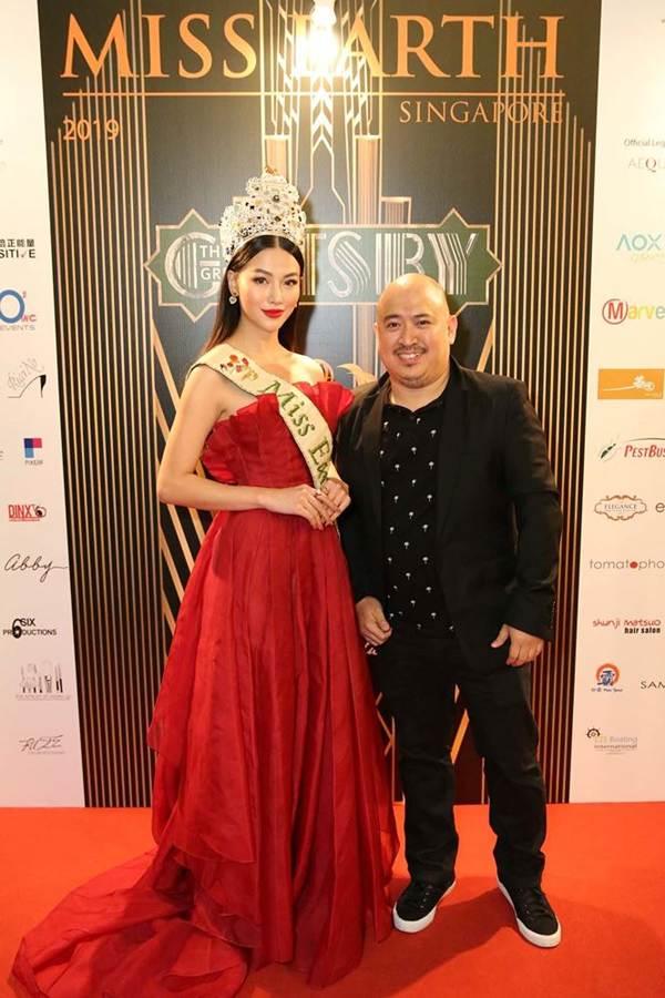Hoa hậu Phương Khánh nóng bỏng với sắc đỏ dự chung kết Miss Earth Singapore 2019-5