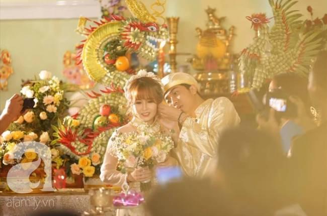Hot youtuber Cris Phan chính thức lên xe hoa, nhìn lại chuyện tình siêu dị trước khi có đám cưới siêu to, siêu khổng lồ hôm nay thế này-11