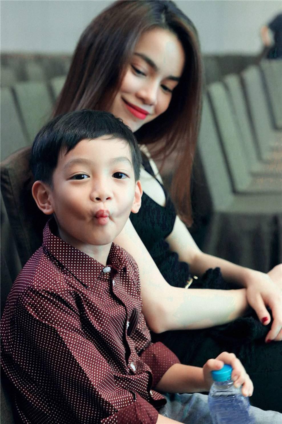 Cuộc sống sung sướng của các nhóc tỳ sao Việt: Đứa học trường Quốc tế học phí hàng trăm triệu, đứa từ bé đã thạo 6 thứ tiếng-2