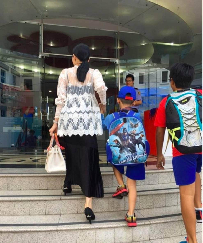 Cuộc sống sung sướng của các nhóc tỳ sao Việt: Đứa học trường Quốc tế học phí hàng trăm triệu, đứa từ bé đã thạo 6 thứ tiếng-8