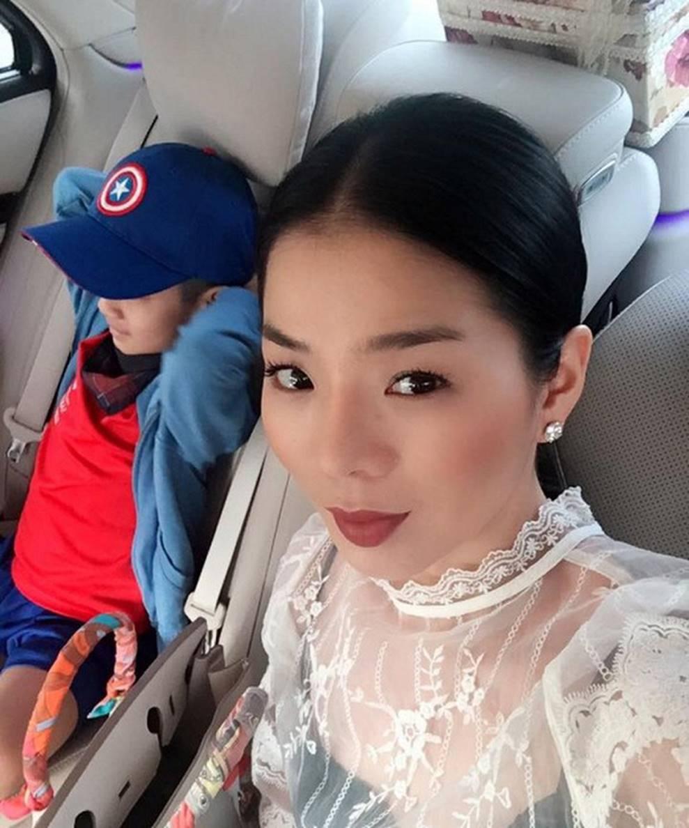 Cuộc sống sung sướng của các nhóc tỳ sao Việt: Đứa học trường Quốc tế học phí hàng trăm triệu, đứa từ bé đã thạo 6 thứ tiếng-11