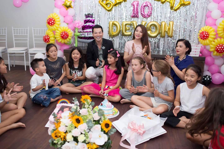 Cuộc sống sung sướng của các nhóc tỳ sao Việt: Đứa học trường Quốc tế học phí hàng trăm triệu, đứa từ bé đã thạo 6 thứ tiếng-14
