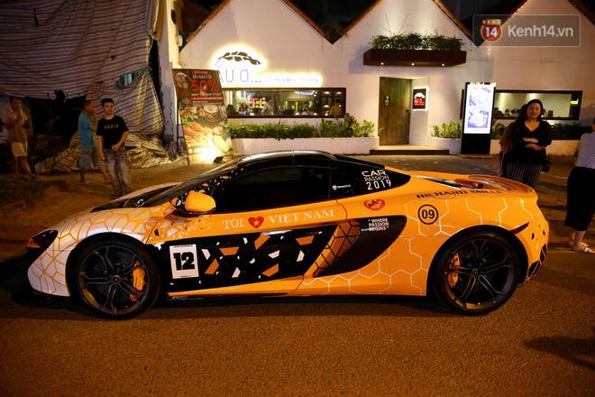 Dàn siêu xe hơn 300 tỷ rầm rộ tụ họp trên đường phố Hà Nội, Cường Đô La và vợ cũng xuất hiện với chiếc Audi R8V10-7