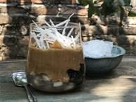 Cafe cốt dừa đang được 'săn đón' hè này - bạn đã biết cách làm chưa?