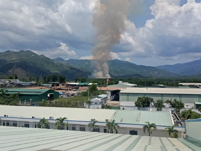Máy bay quân sự rơi ở Khánh Hòa, 2 phi công tử nạn-3