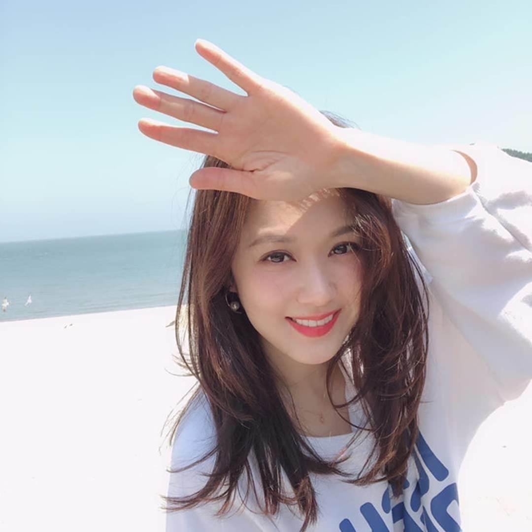 Jang Nara gần 40 tuổi vẫn trẻ trung như thiếu nữ đôi mươi-1