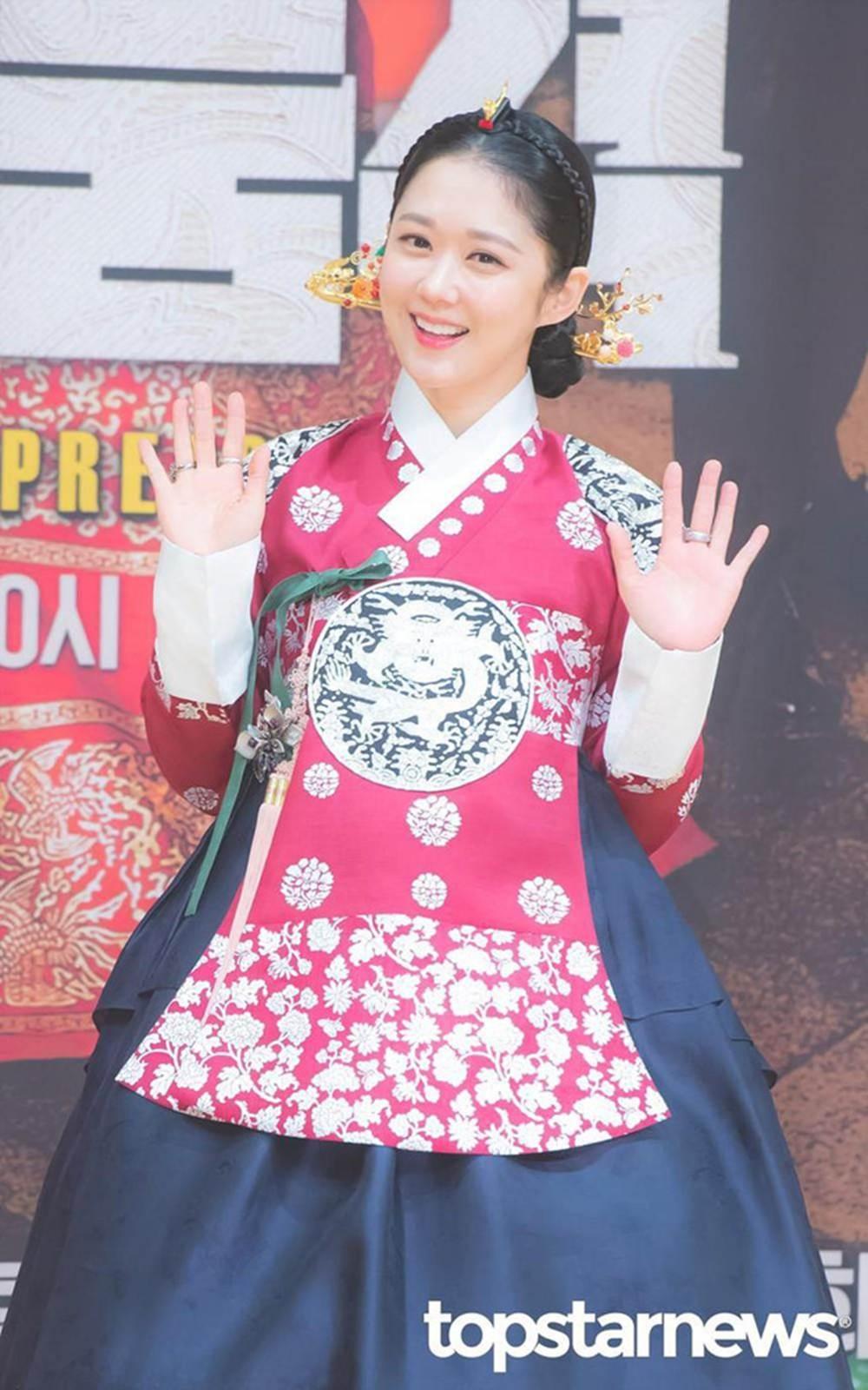 Jang Nara gần 40 tuổi vẫn trẻ trung như thiếu nữ đôi mươi-7