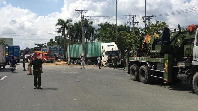 Vụ tai nạn thảm khốc ở Tây Ninh 5 người tử vong: 4 nạn nhân trong cùng gia đình-4