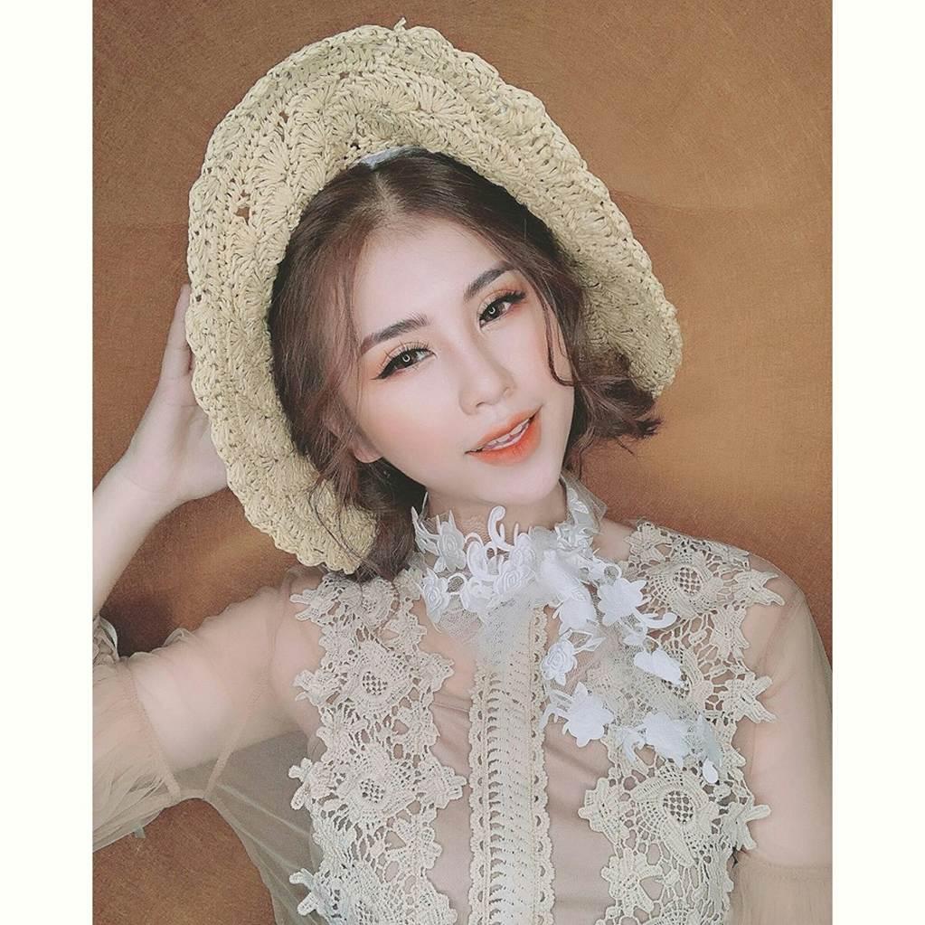 Thu Hương - cô gái khỏa thân ở hồ sen gây giật mình với ảnh đời thường-2