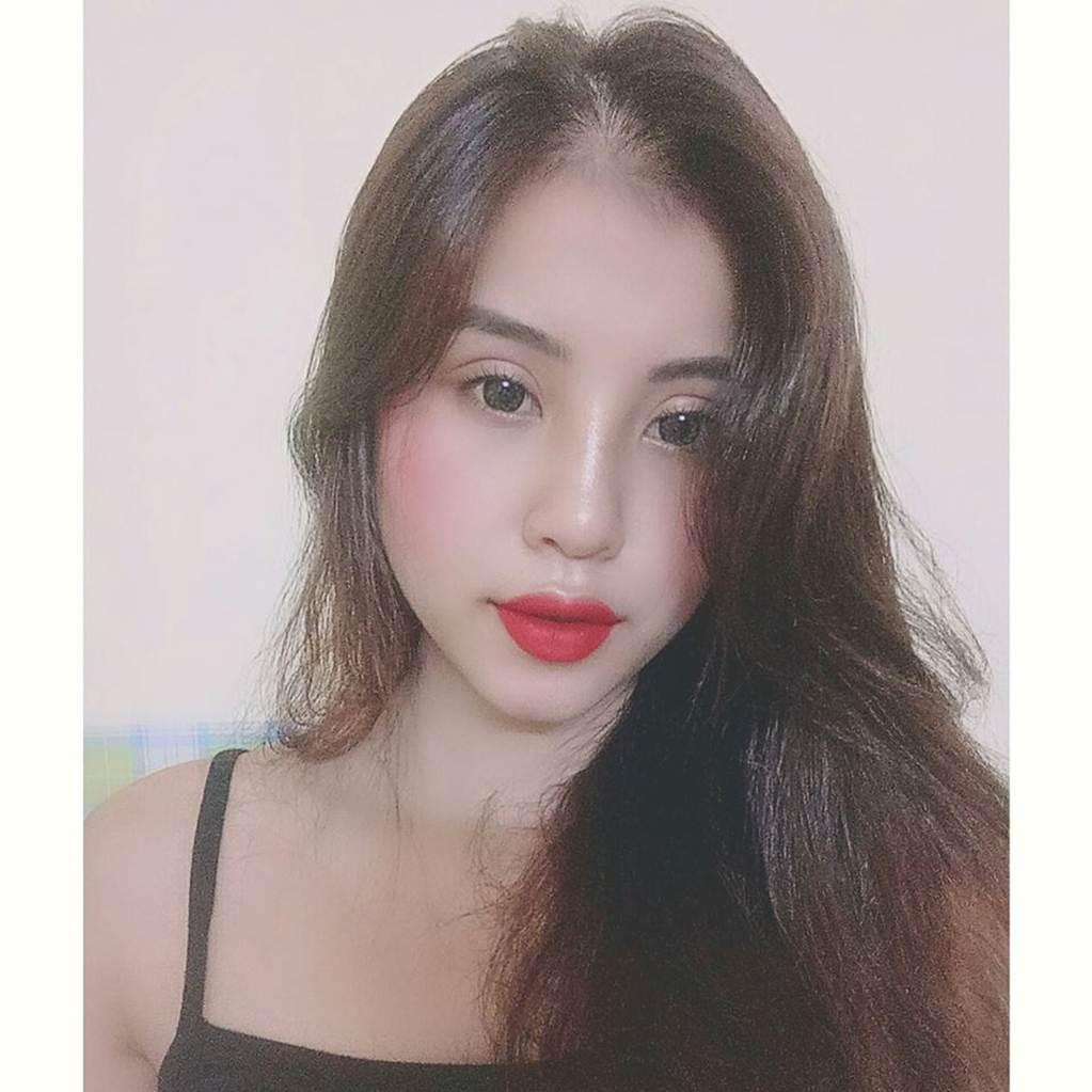 Thu Hương - cô gái khỏa thân ở hồ sen gây giật mình với ảnh đời thường-5
