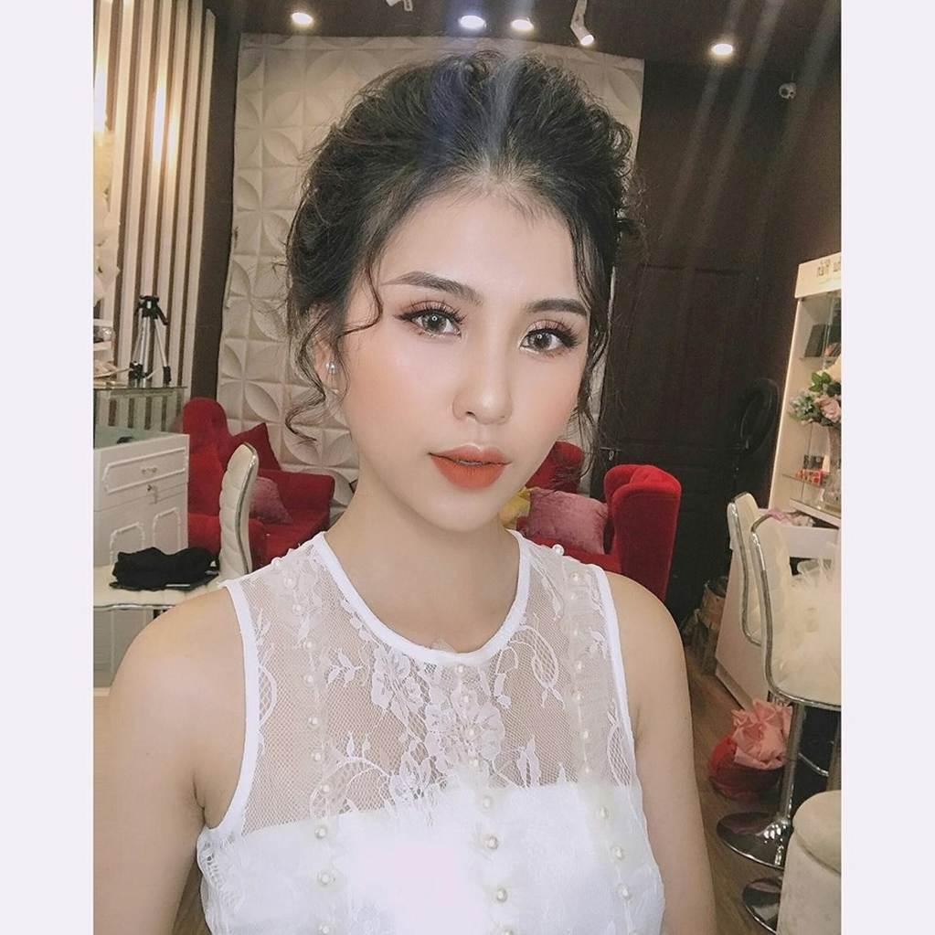 Thu Hương - cô gái khỏa thân ở hồ sen gây giật mình với ảnh đời thường-6