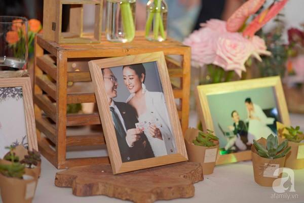 Cô dâu Phí Linh nắm chặt tay bố bước vào lễ đường, xúc động trong khoảnh khắc trao nhẫn cùng chú rể Hoàng Linh-26