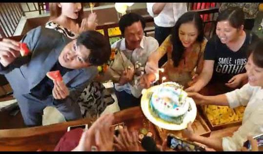 Bố Sơn Về nhà đi con được tổ chức sinh nhật bất ngờ, nhưng hành động lén lút của Quốc Trường lại bị chú ý-1