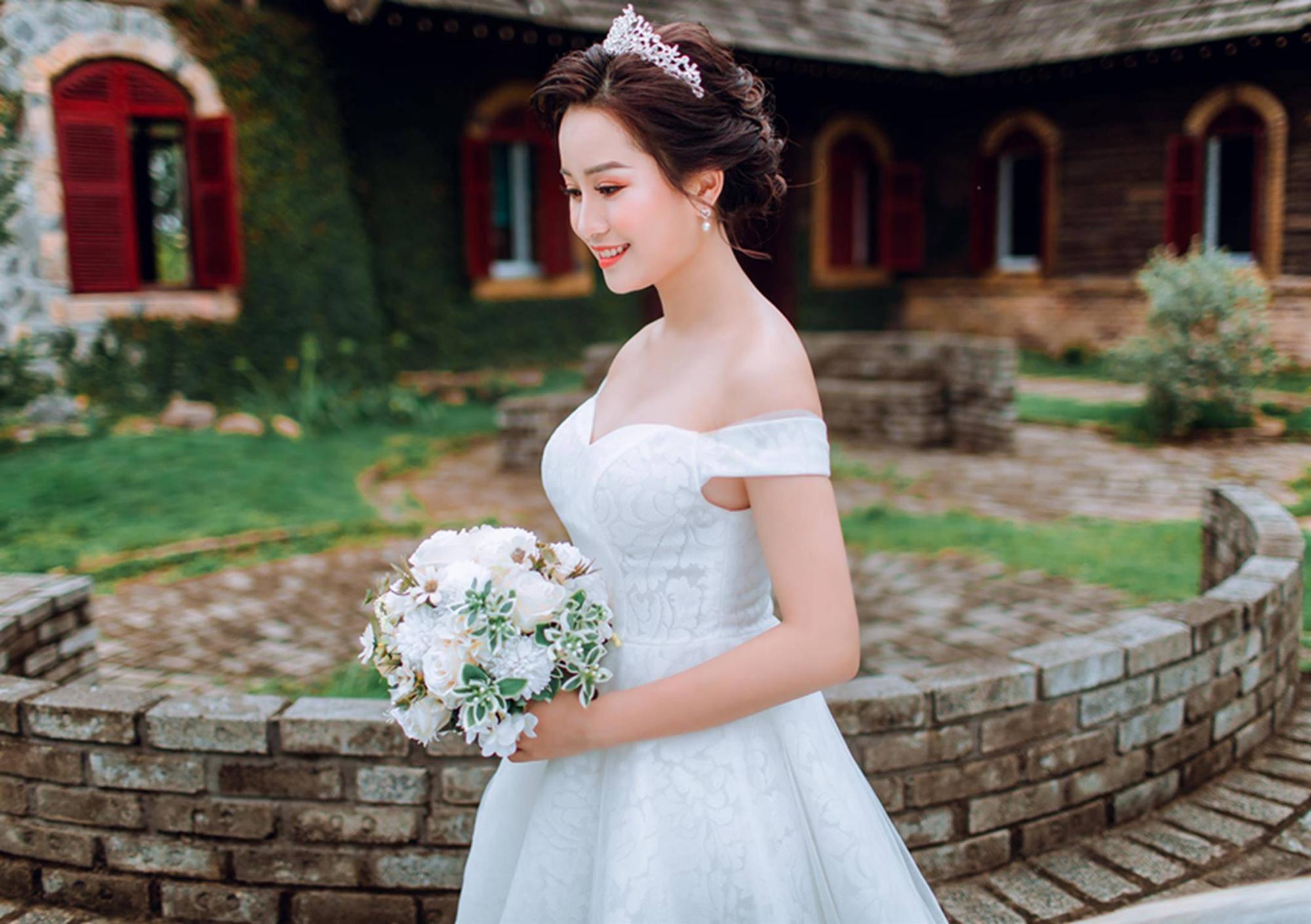 Ảnh cưới của vua kiếm chém và người vợ xinh đẹp-2