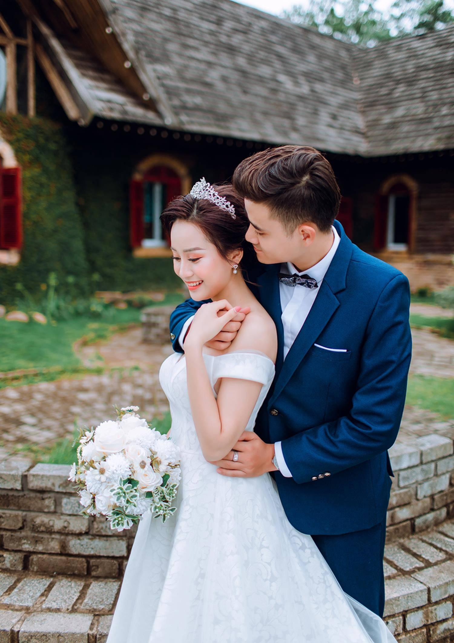 Ảnh cưới của vua kiếm chém và người vợ xinh đẹp-3