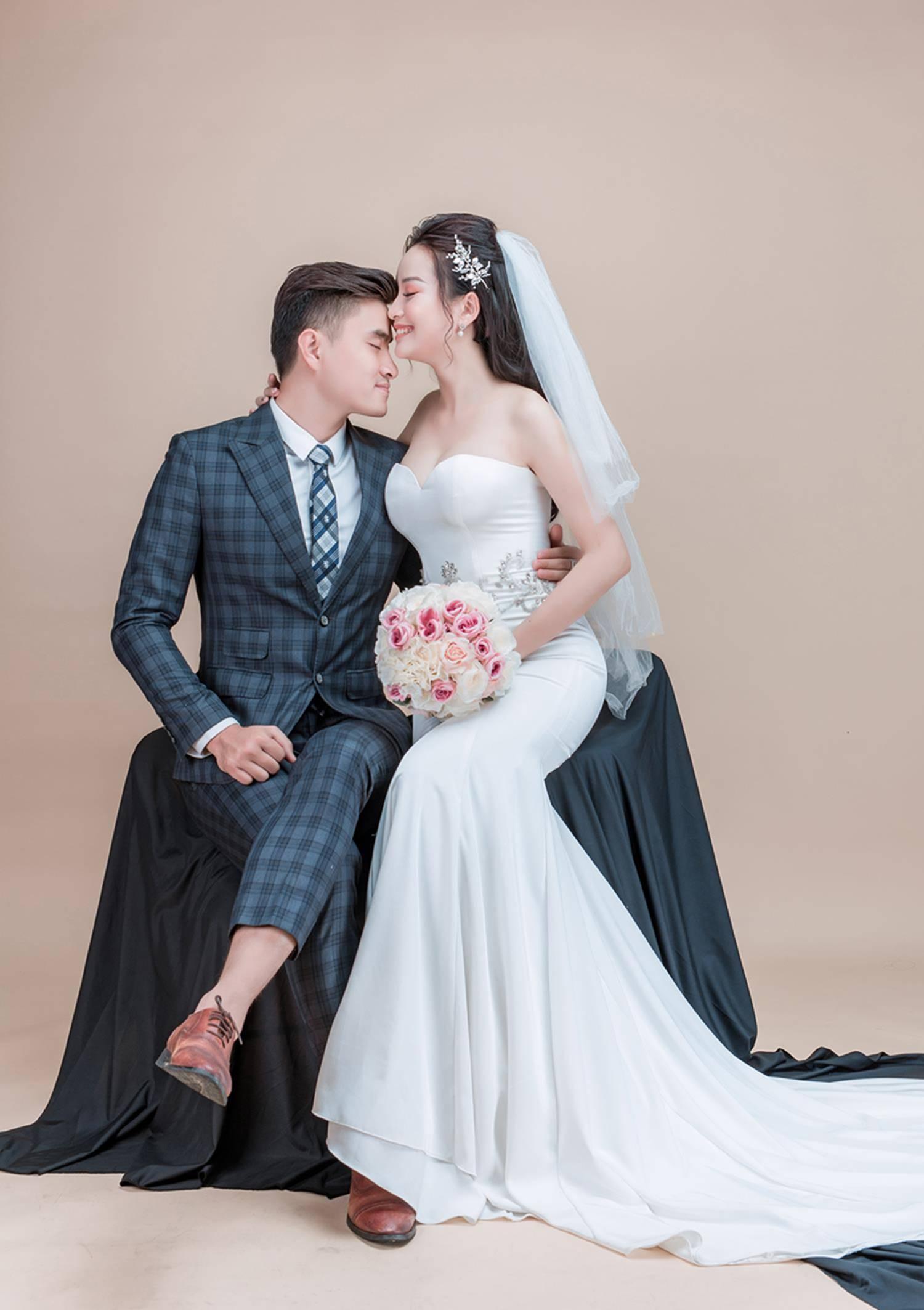 Ảnh cưới của vua kiếm chém và người vợ xinh đẹp-5