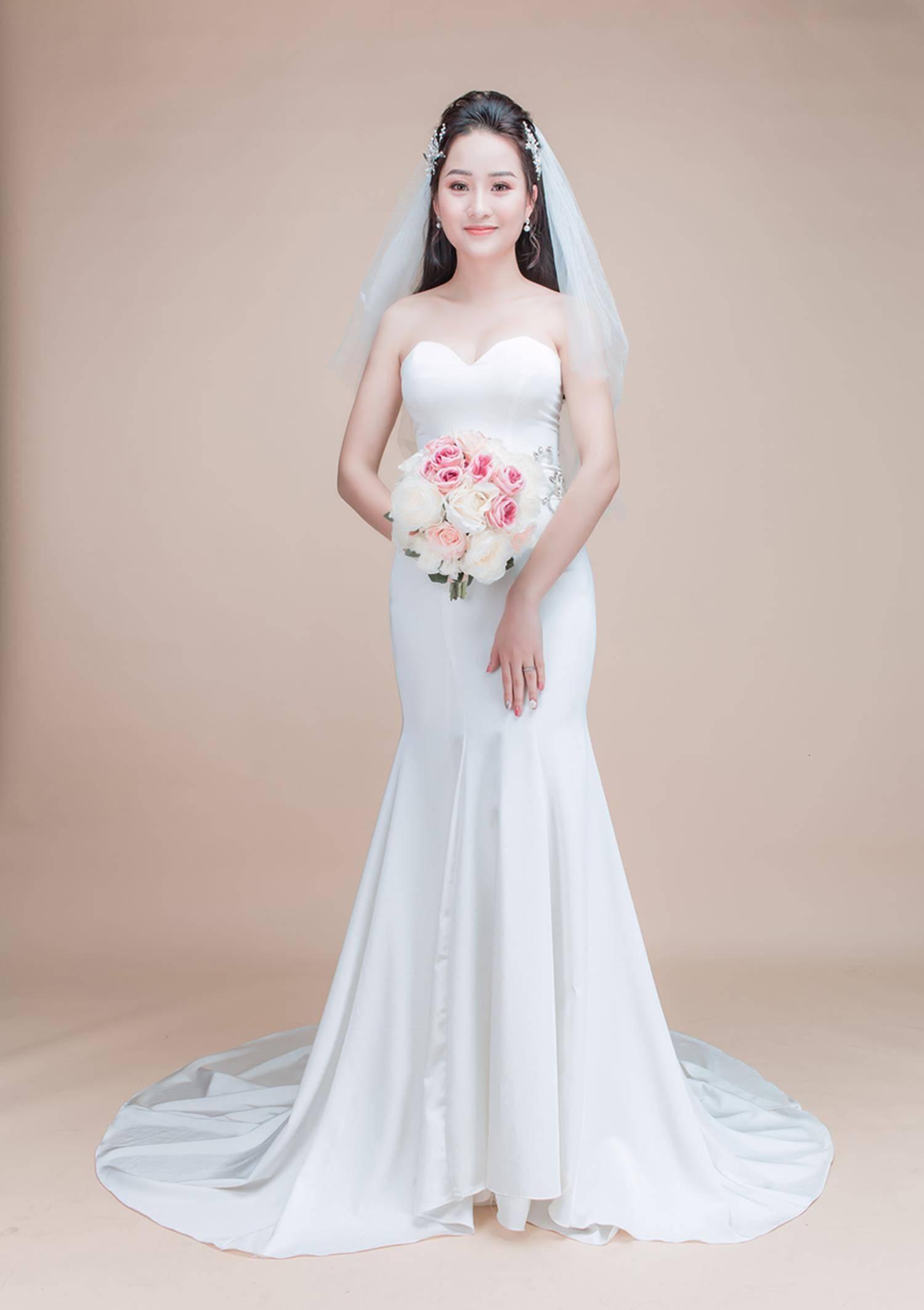 Ảnh cưới của vua kiếm chém và người vợ xinh đẹp-6
