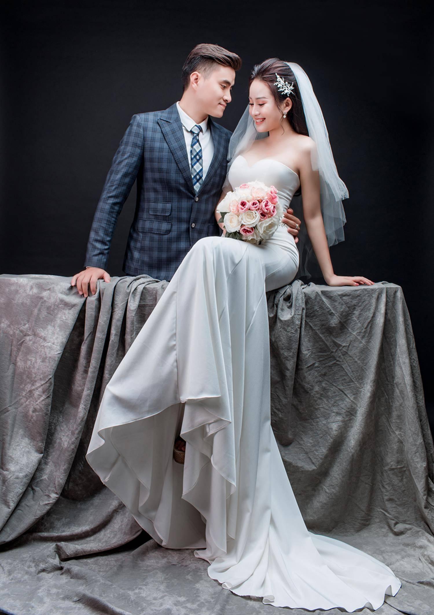 Ảnh cưới của vua kiếm chém và người vợ xinh đẹp-10