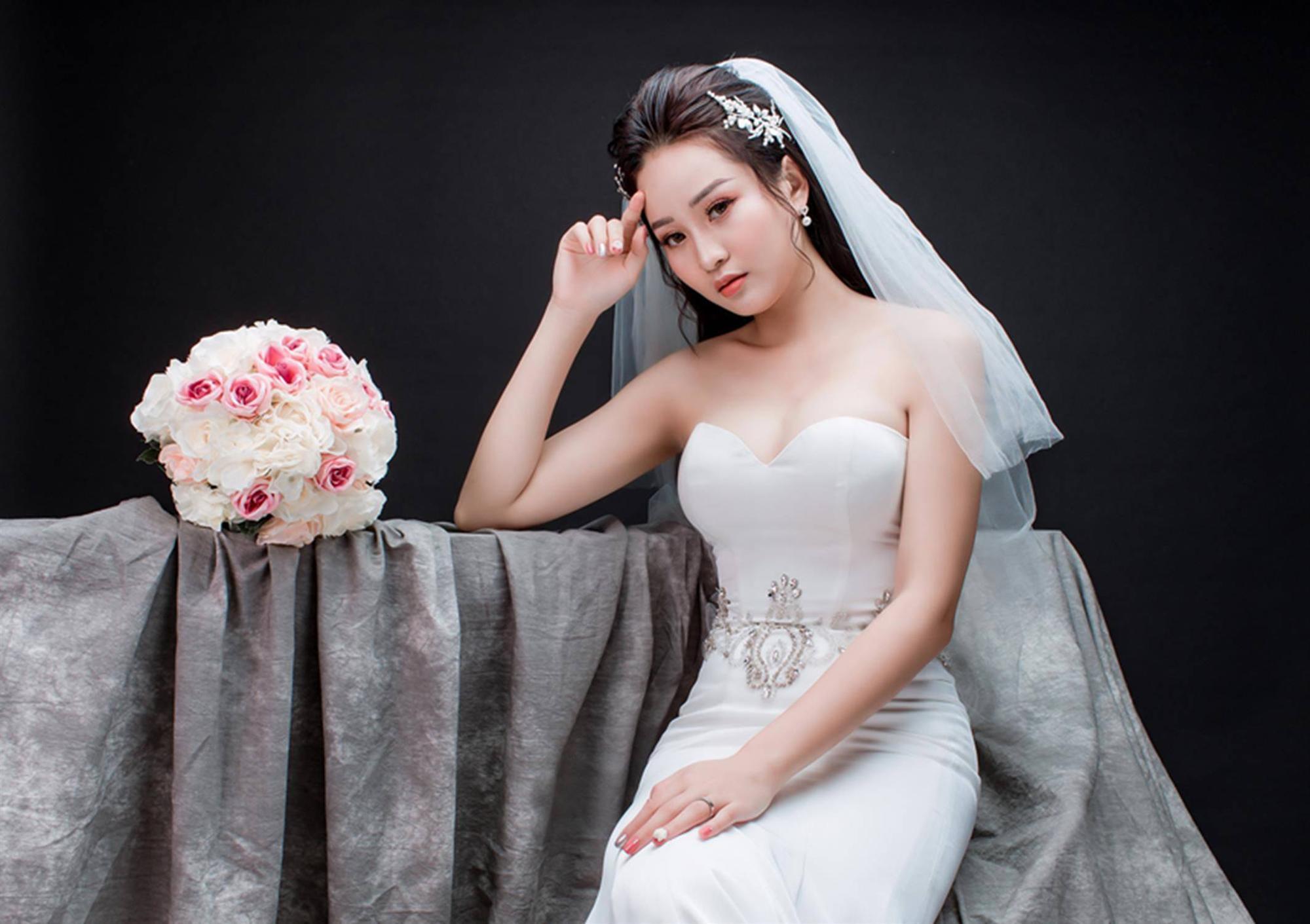 Ảnh cưới của vua kiếm chém và người vợ xinh đẹp-11