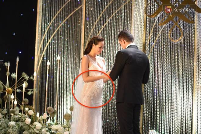 """Ngập tràn hạnh phúc, cô dâu Phương Mai bung lụa"""" không còn che giấu vòng 2 to như bầu 4,5 tháng-2"""
