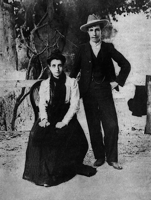 Cuộc hôn nhân đồng tính nữ đầu tiên trong lịch sử: Cặp đôi lừa cả thế giới để được danh chính ngôn thuận là vợ chồng-3
