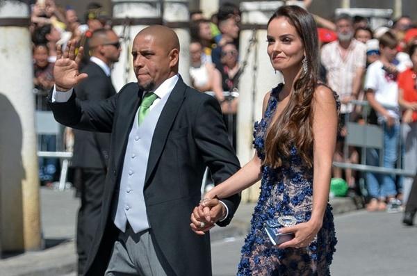 Vợ chồng Beckham, Roberto Carlos dự đám cưới của Ramos-4