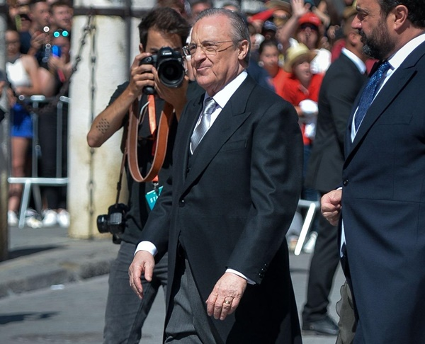Vợ chồng Beckham, Roberto Carlos dự đám cưới của Ramos-7