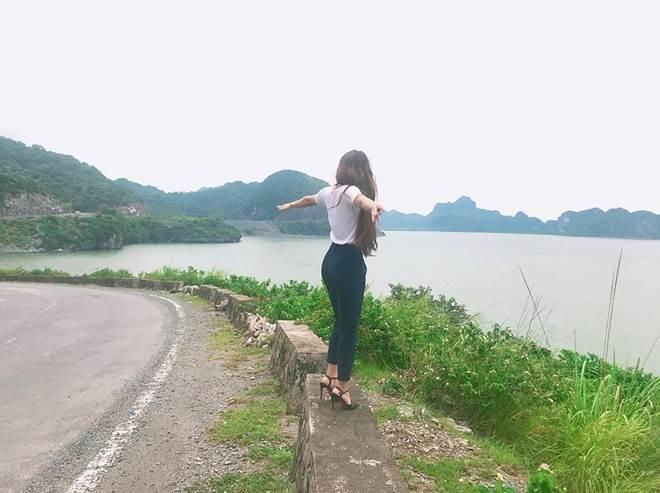 Mang giày cao 10cm đi khắp mọi nơi, bạn gái Lâm Tây chính là thánh đi giày cao gót-13
