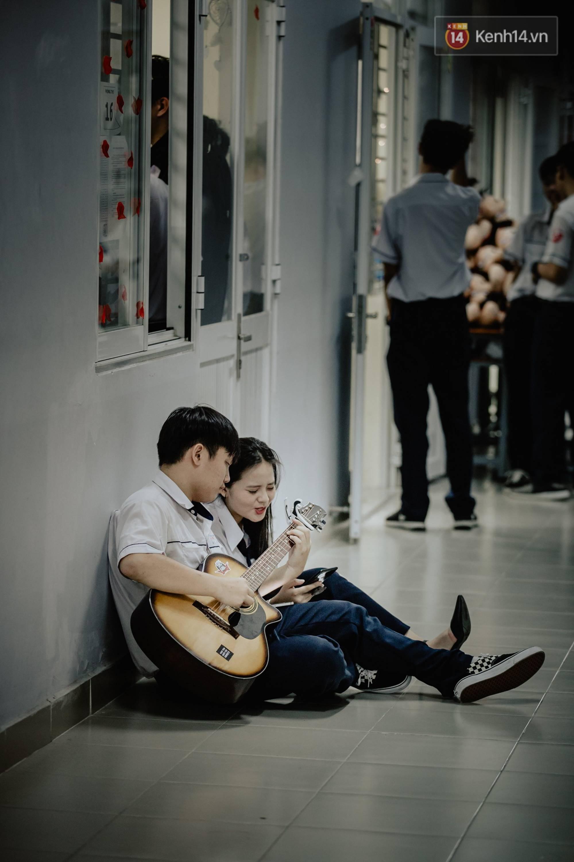 Đêm tri ân đầy nước mắt của trường Gia Định: Khóc vì chúng ta đã có một thời học sinh đầy tươi đẹp-16