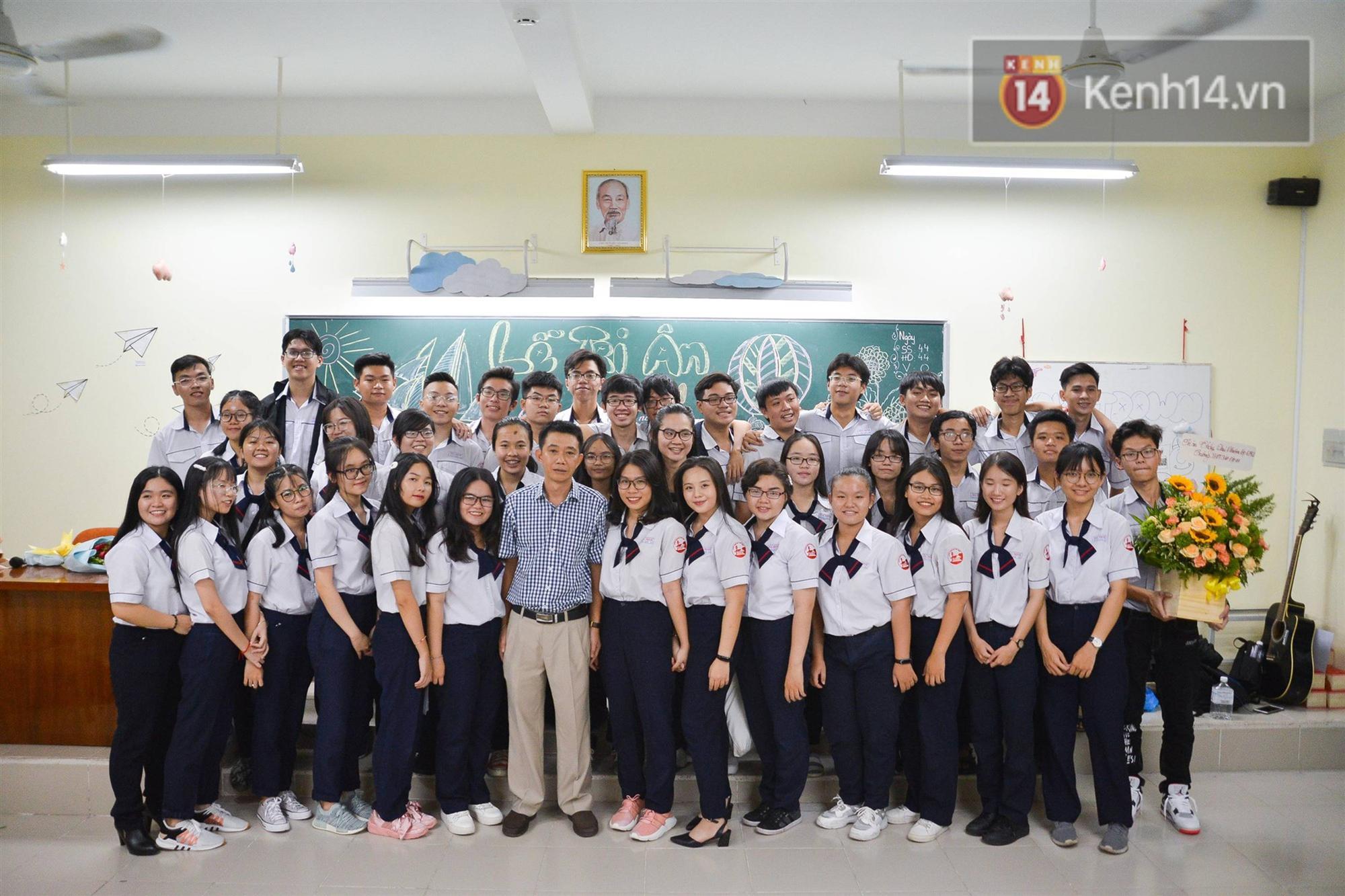 Đêm tri ân đầy nước mắt của trường Gia Định: Khóc vì chúng ta đã có một thời học sinh đầy tươi đẹp-18
