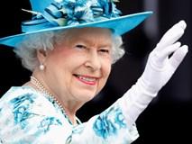 Bí mật hoàng gia trong túi xách của nữ hoàng Anh