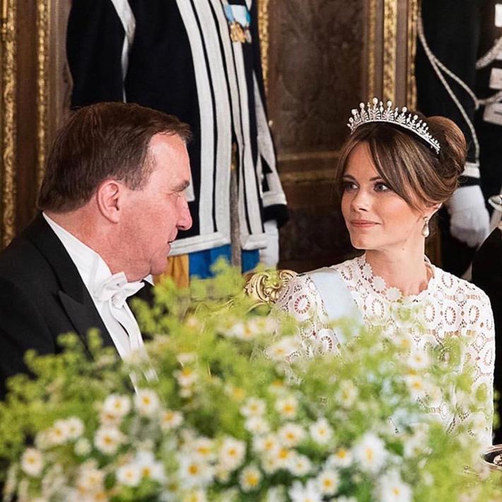 Hơn 3 tuổi nhưng công nương Kate Middleton sexy hơn hẳn công nương Sofia khi đụng váy-2