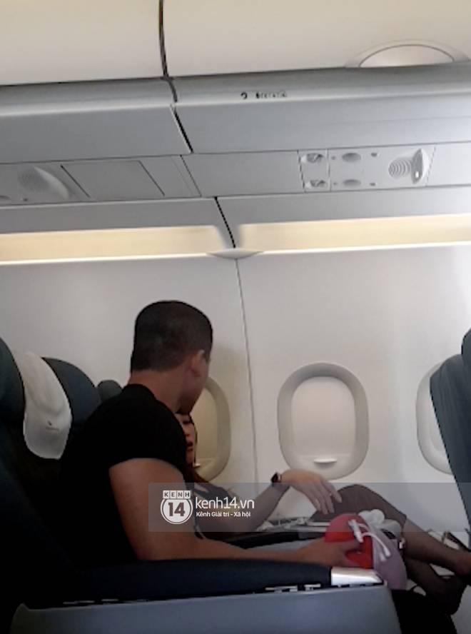 Mỹ Tâm nựng má Mai Tài Phến trên máy bay và loạt bằng chứng hẹn hò chàng diễn viên kém 10 tuổi!-10