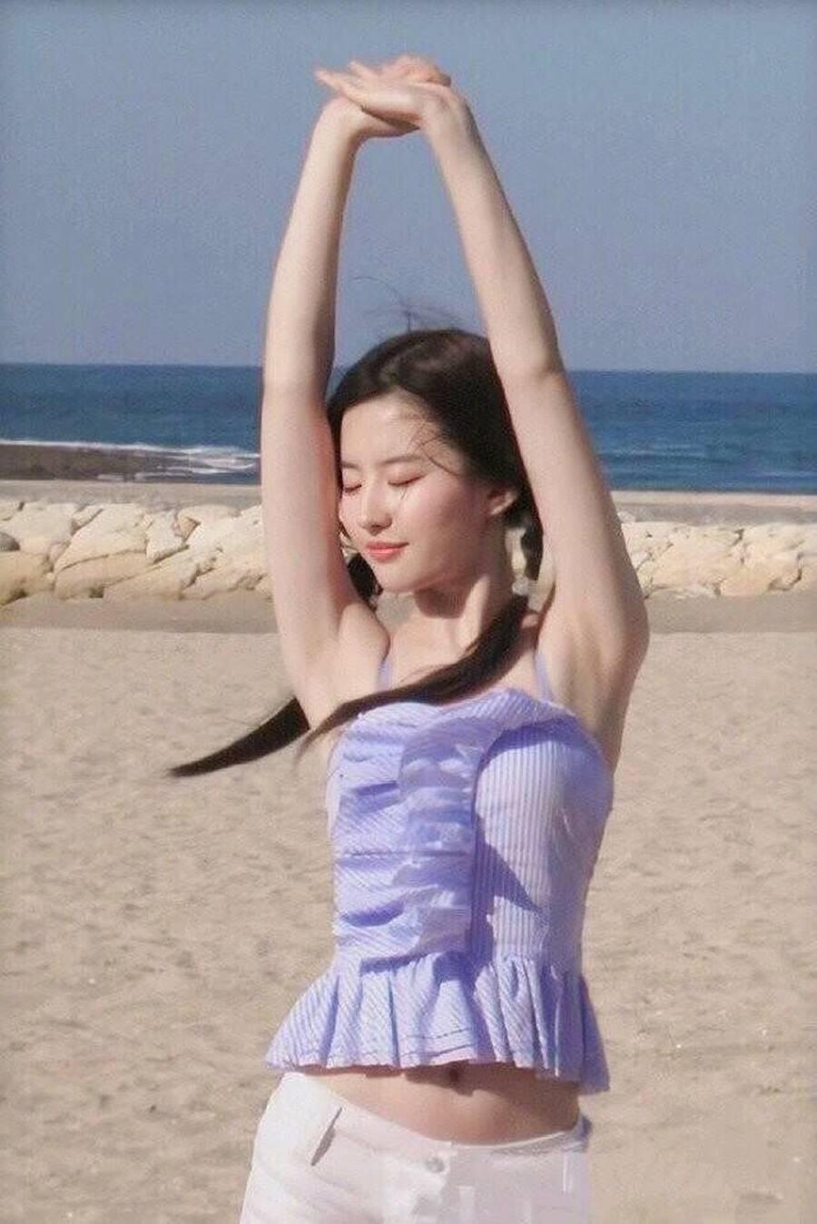 Loạt ảnh thời thiếu nữ của Lưu Diệc Phi xứng danh thần tiên tỷ tỷ-1