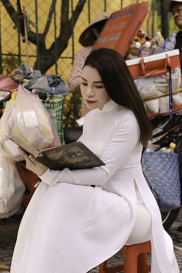 Trà Ngọc Hằng hoá nữ sinh trung học, dịu dàng với áo dài tinh khôi-3