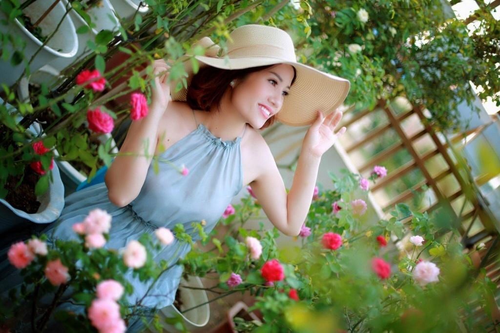 Sân thượng nhỏ chứa cả trăm gốc hồng đẹp mê hoặc của mẹ ba con ở Hà Nội-4