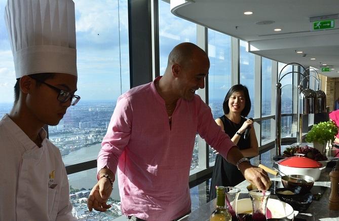 Đầu bếp 'vạn người mê' David Rocco muốn đưa ẩm thực Việt ra thế giới-2