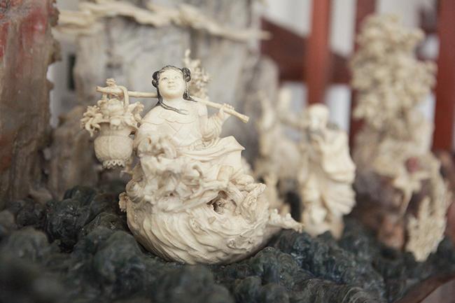 Tuyệt phẩm điêu khắc bát tiên quá hải độc nhất vô nhị ở Việt Nam-10