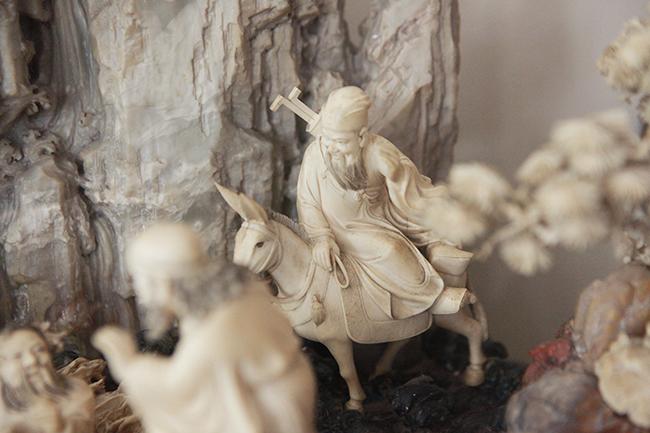 Tuyệt phẩm điêu khắc bát tiên quá hải độc nhất vô nhị ở Việt Nam-15