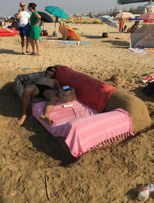 Muốn biết chồng yêu vợ thế nào, hãy rủ anh ấy tới bãi biển-3