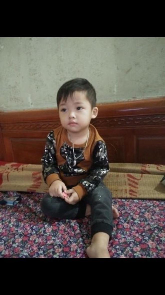 Bắc Ninh: Người vợ trẻ bế con trai gần 3 tuổi đi khỏi nhà, gia đình cầu cứu cộng đồng mạng giúp đỡ-2
