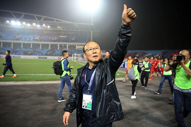 HLV Park Hang Seo ưu tiên ký hợp đồng với bóng đá Việt Nam-1