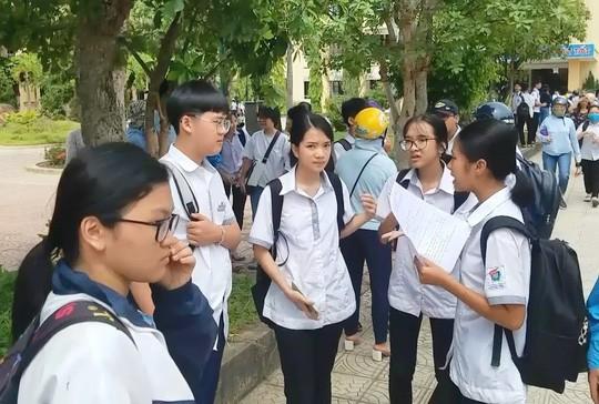 Quảng Bình: Đề nghị kỷ luật 2 cán bộ coi thi ký nhầm trên 24 bài thi của thí sinh-2