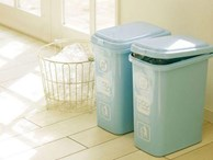 Thùng rác cứ tiện đâu đặt đó bảo sao Thần tài 'khó vào nhà', nghèo mãi hoàn nghèo, xui xẻo cả năm