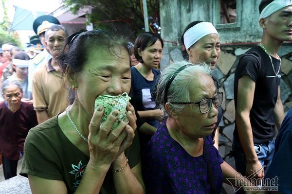 Xã ven đô Hà Nội nghẹn ngào tiễn đưa Thiếu tá phi công về đất mẹ-10