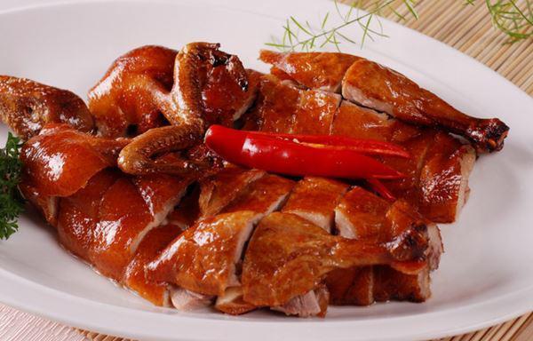 Vịt quay ngon da giòn, thịt ngọt, thơm chuẩn ngoài hàng-1