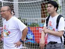 Giám đốc 33 tuổi đứng sau cuộc thương lượng về hợp đồng của HLV Park Hang Seo