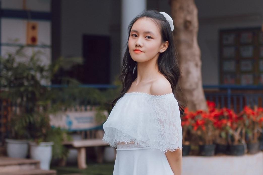 Nữ sinh Hà Nội đỗ cả 3 lớp chuyên Toán, Lý và Hóa-1
